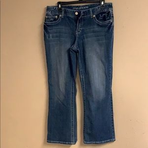 Maurice's girls jeans size 11/12 short
